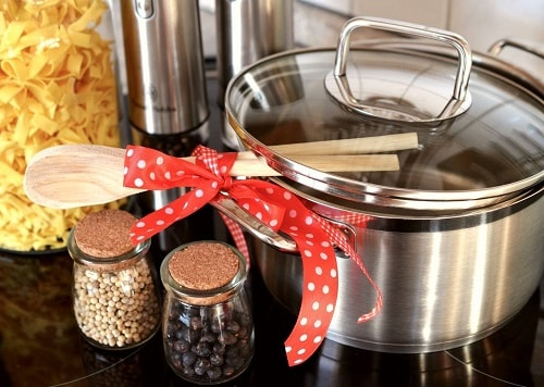 How To Choose Healthy Pots and Pans For Kitchen