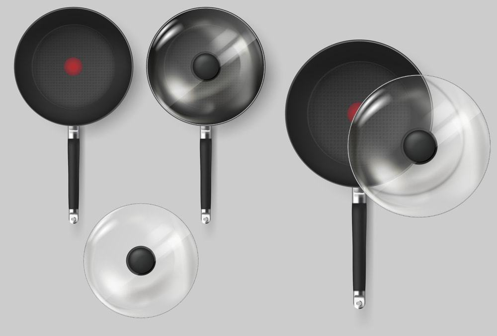 Are the handles of the pan detachable