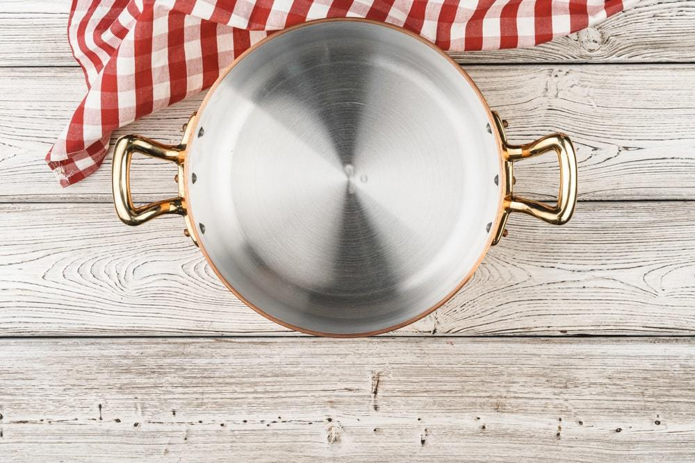 Is it bad to use old aluminium cookware