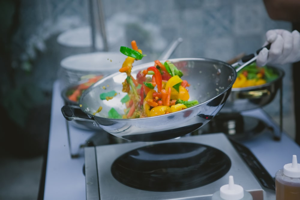 how to clean wok